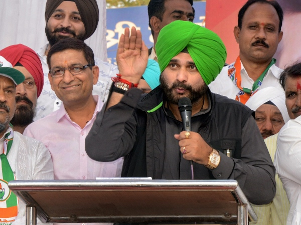 Navjot Singh Sidhu Miffed After He Was Not List Of Speakers Atrahul S Moga Rally Shown Me My Place