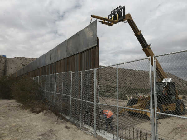 Pentagon Authorizes 1 Billion Donald Trump S Mexico Border
