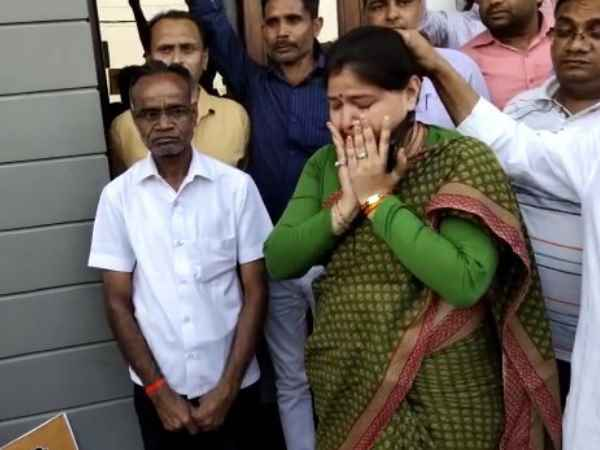 Bjp Mp Priyanka Singh Rawat Cried After Cutting The Ticket