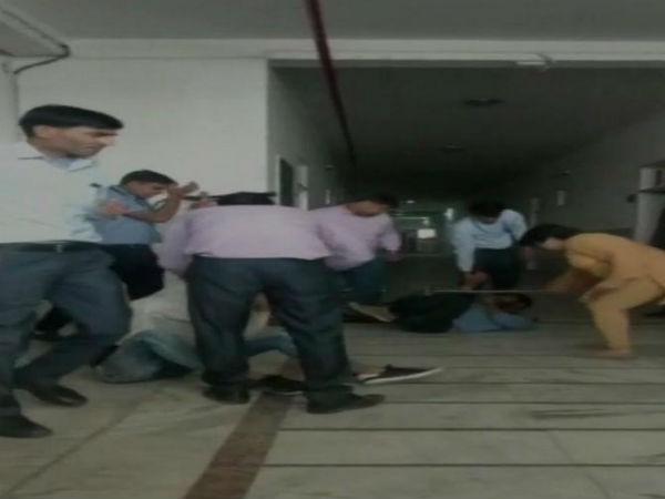 રાજસ્થાન: કોલેજમાં ઘૂસીને લોકોએ શિક્ષકોની પીટાઈ કરી