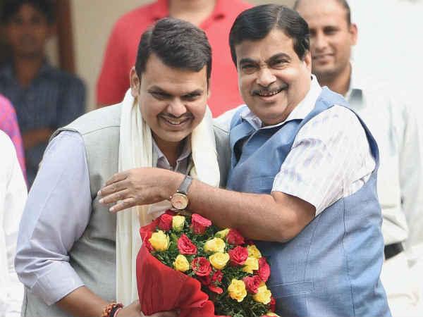 Nitin Gadkari Lost His Temper After Raising Slogans Nagpur Rally