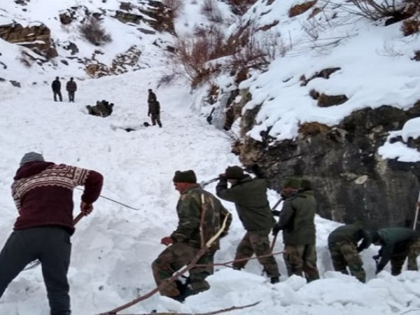 Army Retrieves Body One Jawan Kinnaur Avalanche