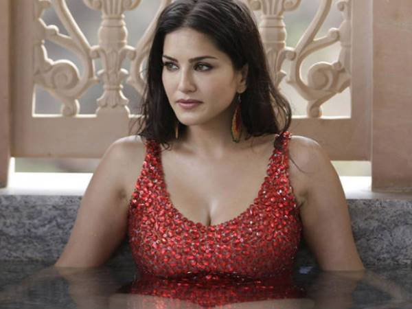 Actress Sunny Leoni Cried On Arbaaz Khan S Question Read The Case