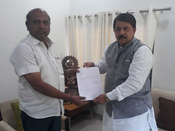 Congress Mla From Jamnagar Rural Vallabh Dharaviya Resigns As Mla