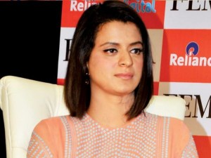 Rangoli Accuses Mahesh Bhatt Of Throwing Chappal At Kangana Ranaut