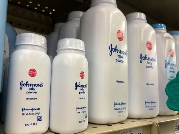 Officials Found Cancer Causing Agent In Johnson And Johnson Shampoo