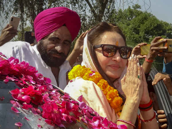 Jaya Prada Hits On Azam Khan Says What Kind Of Brother Is He Who Sees Inner Wear Of Sister