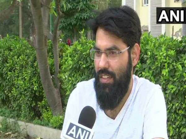 Muslim Cleric Shahid Raza Khan Expressed Views On Madarsa Mosque Religion After Cracking Upsc Exam