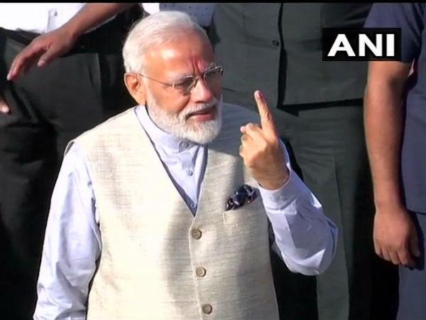 Lok Sabha Elections Live: પીએમ મોદીએ આપ્યો પોતાનો વોટ