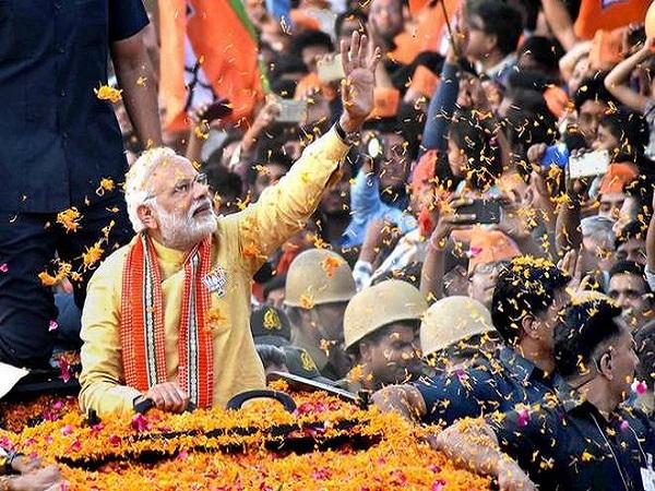 Lok Sabha Elections 2019 Pm Narendra Modi Road Show Live Updates