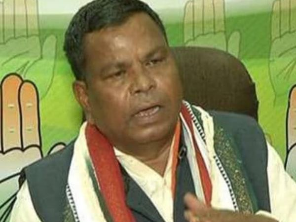 Chhattishgarh Congress Mla Says Voters Will Suffer Electric Shock On Pressing 2nd Evm Button