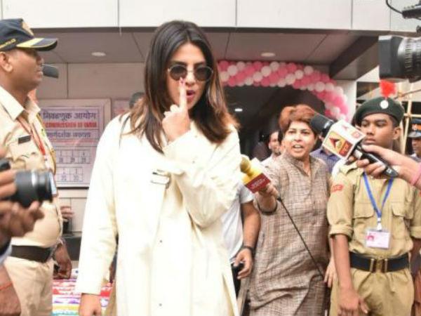 Lok Sabha Elections 2019 Priyanka Chopra Is An Early Bird Casts Her Vote With Her Mom Mumbai