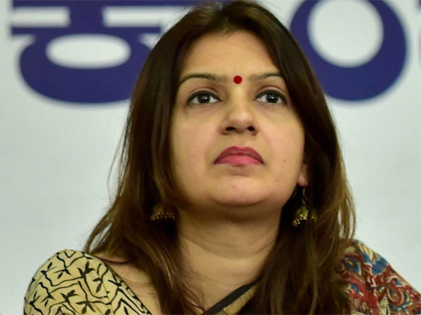 Why Priyanka Chaturvedi Left Congress And Joined Shiv Sena
