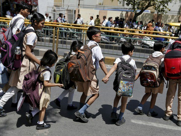 Amidst Increasing Temperature Dm Orders To Change The Timing Of Lucknow School