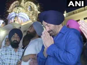 Punjab Actor And Bjp Candidate Gurdaspur Sunny Deol Offers Prayers At The Golden Temple Amritsar