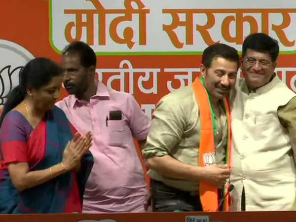 Film Actor Sunny Deol Joins Bjp Earlier He Met With Amit Shah