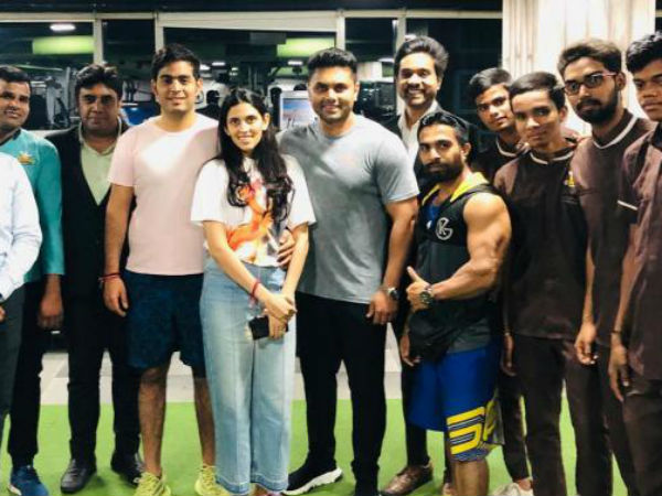 Mukesh Ambani S Elder Son Akash And His Wife Shloka Mehta Are Gym Buddies Pictures Viral