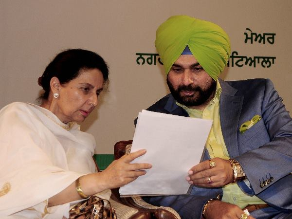 Lok Sabha Elections 2019 Is Navjot Singh Sidhu Upset Skips Work Stays Out Of Leaders Before Election
