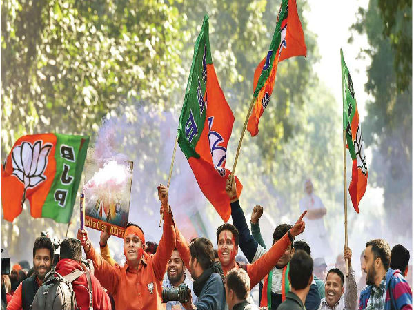 Pm Modi To Meet Bjp Workers At Party Office At 5 30 Pm Today
