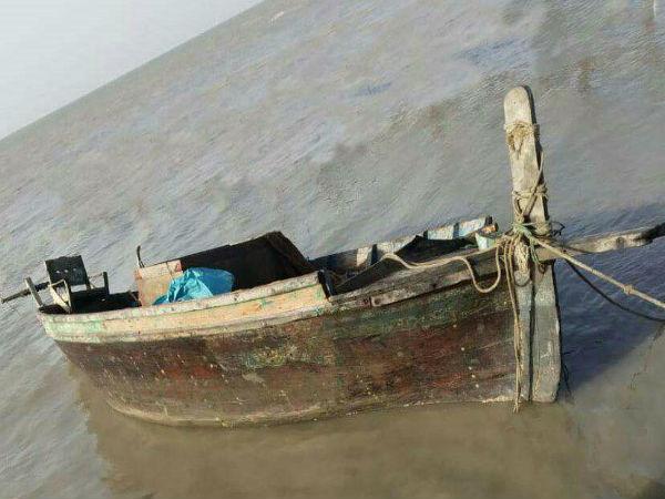 An Abandoned Pakistani Fishing Boat Found In Gujarat