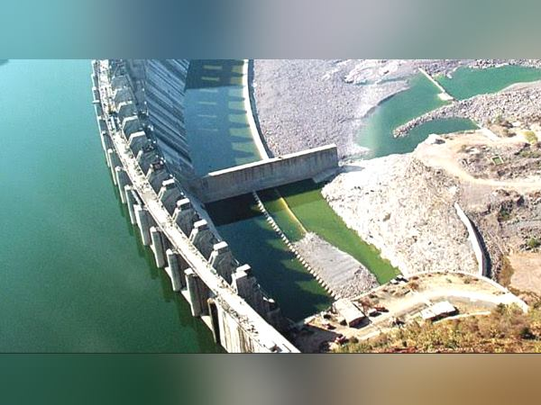 Oxygen And Sulfide Standard Bad In Narmada Dam Water Gujarat