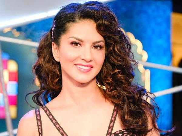 Sunny Leone Tweets Leading By How Many Votes