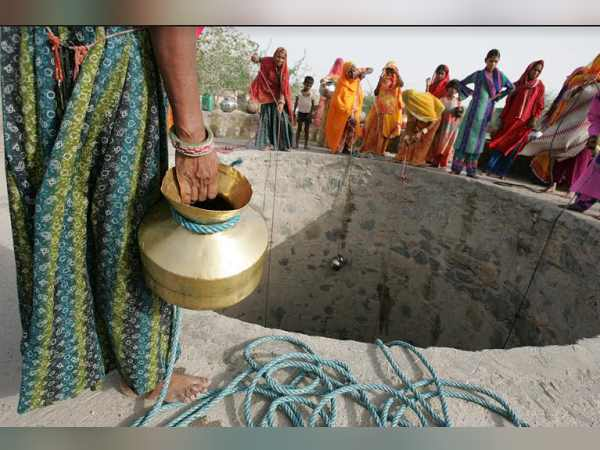 Water Crisis In North Gujarat Villages Discontent In People