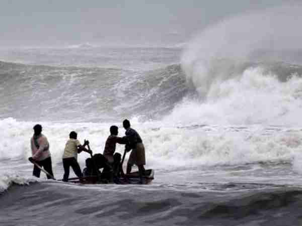 Cyclone Fani Ec Lifts Model Code Of Conduct In Some Areas Of Odisha To Aid Rescue Op