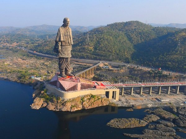 Within High Temperature In Gujarat Statue Of Unity Attract Thousands Tourists Daily
