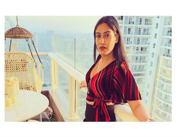 Surbhi Chandna Set Fire On Social Media
