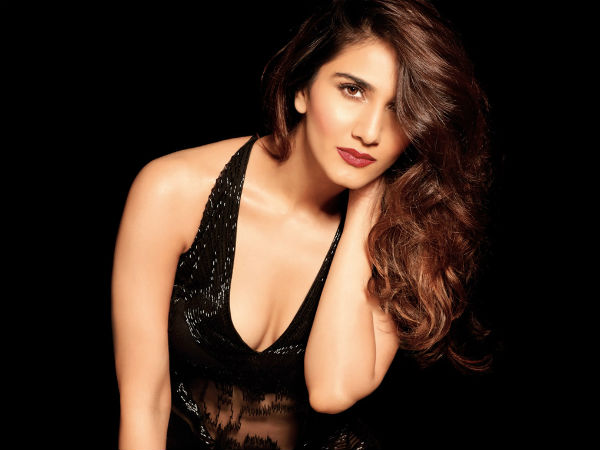Film Actress Vaani Kapoor Was Followed By Crazy Fan She Reaches Police Station