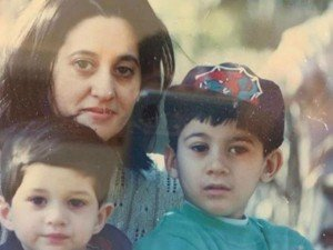 Sunny Deol Son Karan Deol Shared His Photo With Mother Pooja Deol