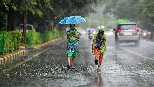 Cyclonevayu Has Now Weakened And Rain And Thunderstorms Are Expected Over Western India