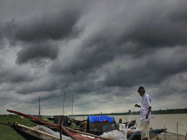 Cyclone Vayu Is Likely To Hit Gujarat Amreli Porbandar And Somnath On High Alert