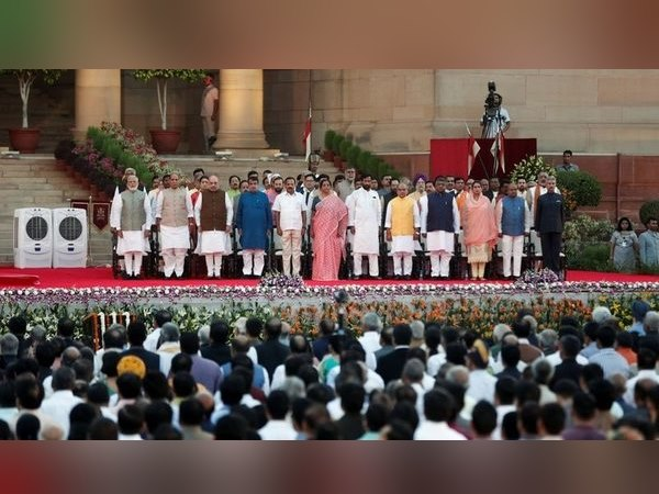 With Amit Shah These Three Gujarati Mps Become Cabinet Ministers In Modi Govr
