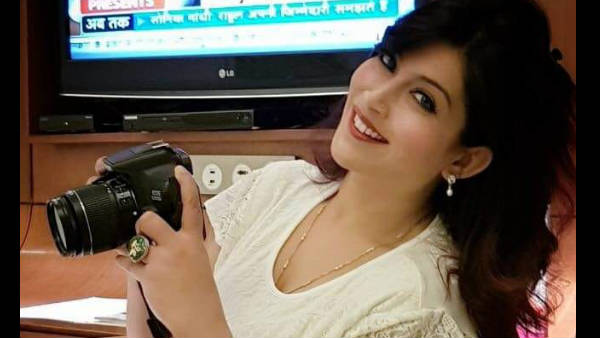 Delhi Masked Men Throw Eggs At Woman Journalist Later Fire Shots