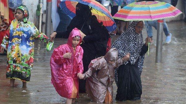 High Tide Warning In Mumbai Today Heavy Rain Expected