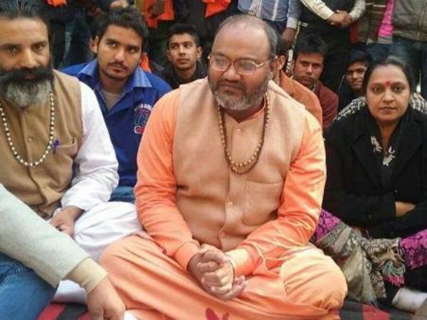 Yati Narsinghanand Saraswati S Unique Demand Set On Hunger Strike
