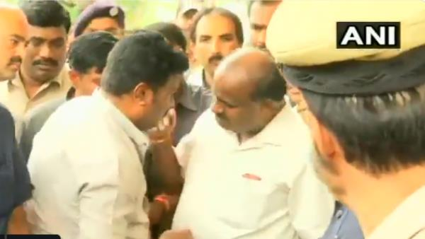 Kumarswamy Did Not Commented On Supreme Court S Verdict