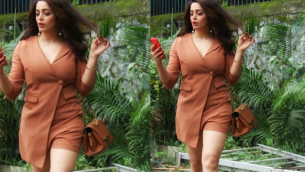 Neha Pendse Rocked On Social Media With Her New Red Hot Look