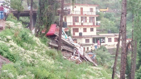 Himachal Hotel Building Collapses 30 People Are Reported Trapped Under Debris