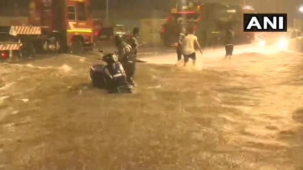 Heavy Rain In Mumbai Takes Many Life School College Offices Cllosed Train Diverted Or Cancelled