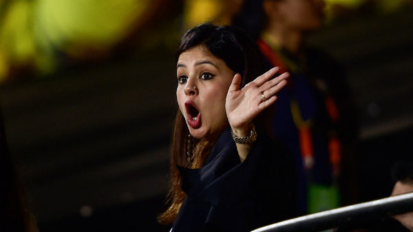 Supreme Court Names Mahendra Singh Dhoni S Wife Sakshi Dhoni Amrapali Group Scam