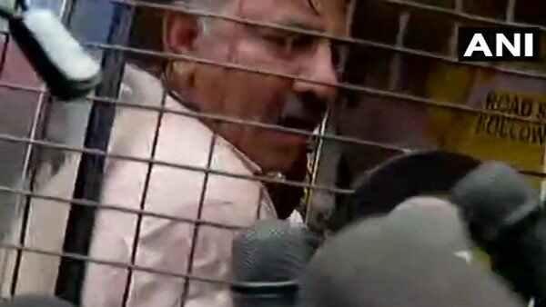 Karnataka Minister Dk Shivakumar Detained By Mumbai Police Section 144 Had Been Imposed Area