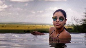 Sumona Chakravarti Seen Chilling In Pool Photo Viral