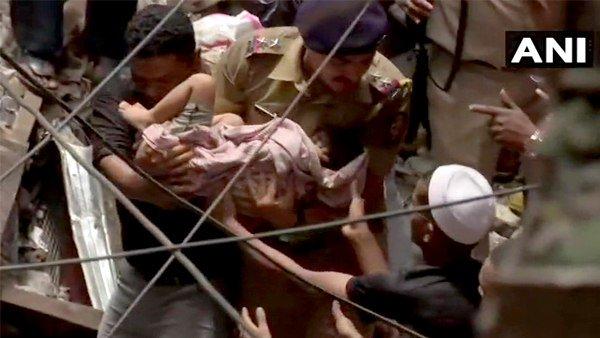 મુંબઈ બિલ્ડિંગ દૂર્ઘટનાઃ કાટમાળમાંથી સુરક્ષિત બહાર કઢાયુ 4 વર્ષનું બાળક, હોસ્પિટલમાં ભરતી