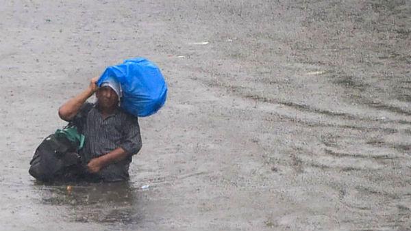 આ પણ વાંચોઃ મુંબઈમાં વિનાશ વેર્યા બાદ રાજસ્થાન પહોંચ્યુ ચોમાસુ, આજે 8 રાજ્યોમાં ભારે વરસાદની સંભાવના
