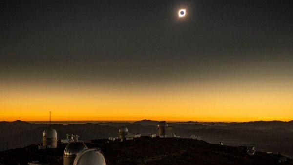 આ પણ વાંચોઃ સૂર્ય ગ્રહણ 2019: દુનિયાના અમુક ભાગોમાં જોવા મળ્યુ સૂર્યગ્રહણ, જુઓ સુંદર ફોટા