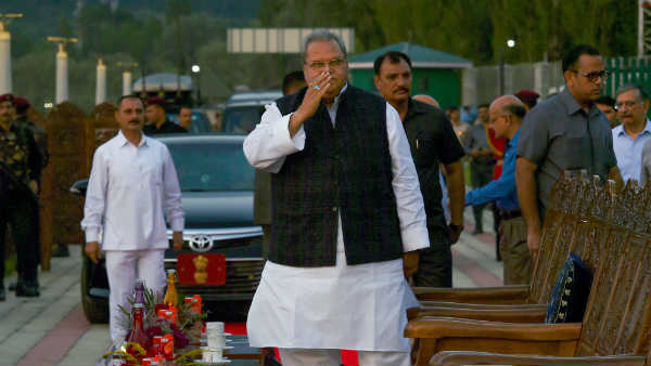 Jammu Kashmir Governor Urges Leaders To Keep Calm And Not To Mix Up Security Measure With Others