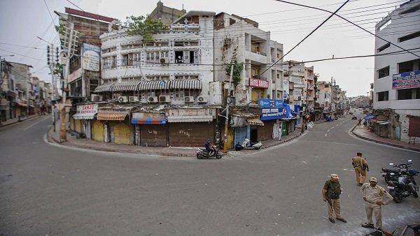 J&K: શ્રીનગરમાં સોમવારે 190 પ્રાથમિક શાળા ખુલી જશે, ચુસ્ત સુરક્ષાનો બંદોબસ્ત